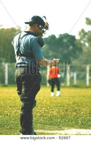 Umpire On Ticker!