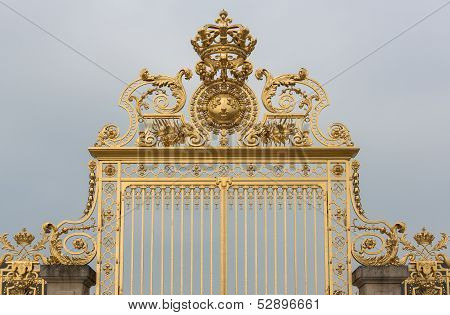 Versailles Gate Front