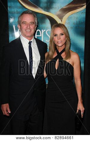 LOS ANGELES - FEB 14:  Robert F. Kennedy Jr., Cheryl Hines at the 2015 Writers Guild Awards at a Century Plaza Hotel on February 14, 2015 in Century City, CA