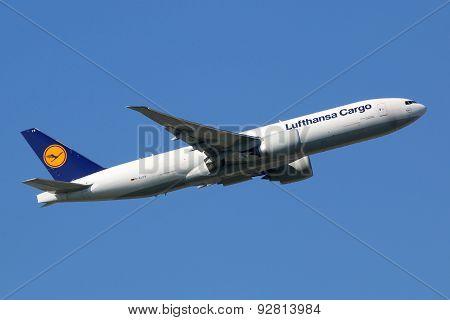 Lufthansa Cargo Boeing 777-f Airplane