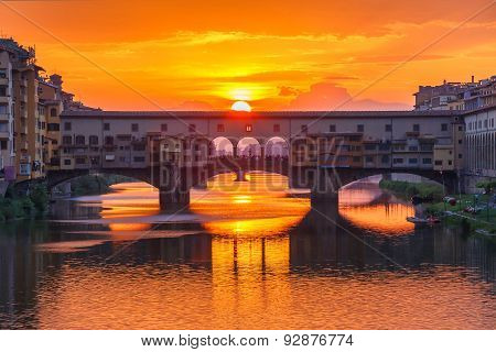 Arno and Ponte Vecchio at sunset, Florence, Italy