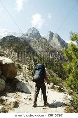 Backpackers in hike to Himalayan