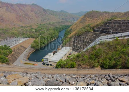 The power plant is producing electricity from hydro dams .