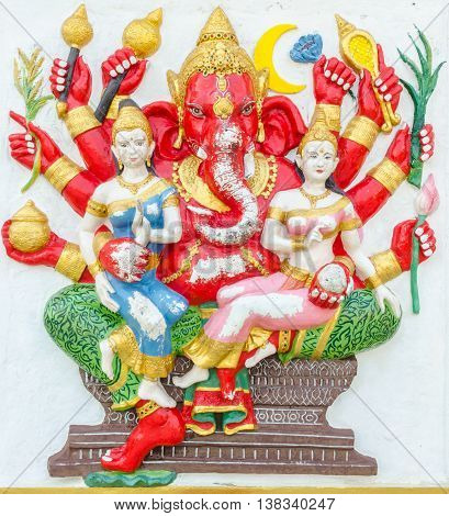 Ganesha Statue,  The Public Is Open To The People Worship. (maha Ganapati)
