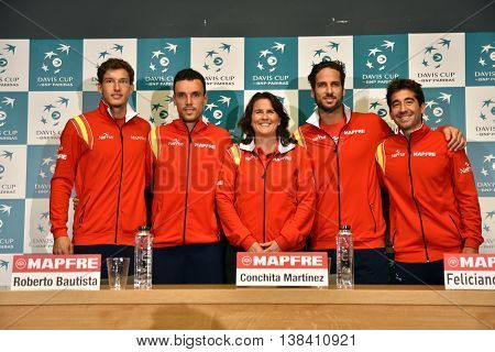 Spanish Tennis Team Posing For A Group Photo