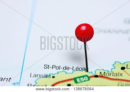 St-Pol-de-Leon pinned on a map of France