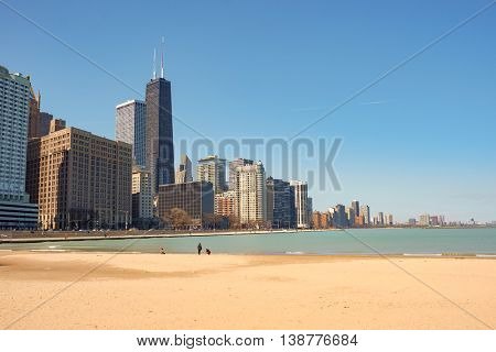 CHICAGO, IL - CIRCA APRIL, 2016: Ohio Street Beach in the daytime. Ohio Street Beach located in Lincoln Park adjacent to Addams Memorial Park and Olive Park.