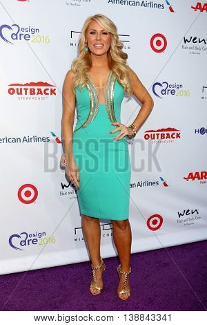 LOS ANGELES - JUL 16:  Gretchen Rossi at the HollyRod Presents 18th Annual DesignCare at the Sugar Ray Leonard's Estate on July 16, 2016 in Pacific Palisades, CA