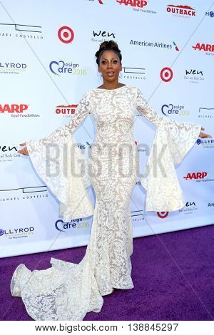 LOS ANGELES - JUL 16:  Holly Robinson Peete at the HollyRod Presents 18th Annual DesignCare at the Sugar Ray Leonard's Estate on July 16, 2016 in Pacific Palisades, CA