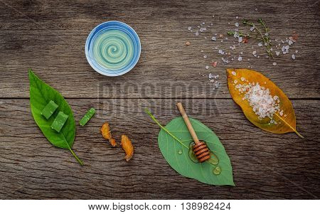 Alternative Skin Care And Homemade Scrubs With Natural Ingredients Himalayan Pink Salt ,turmeric ,ho