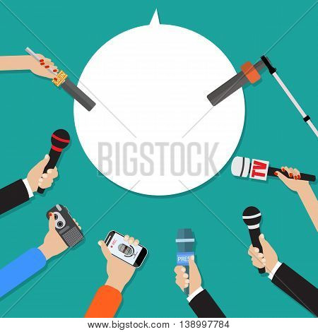 Few hands of journalists with microphones, tape recorder and smartphone. journalism, live report, hot news, television and radio casts. illustration flat style, green background speech bubble