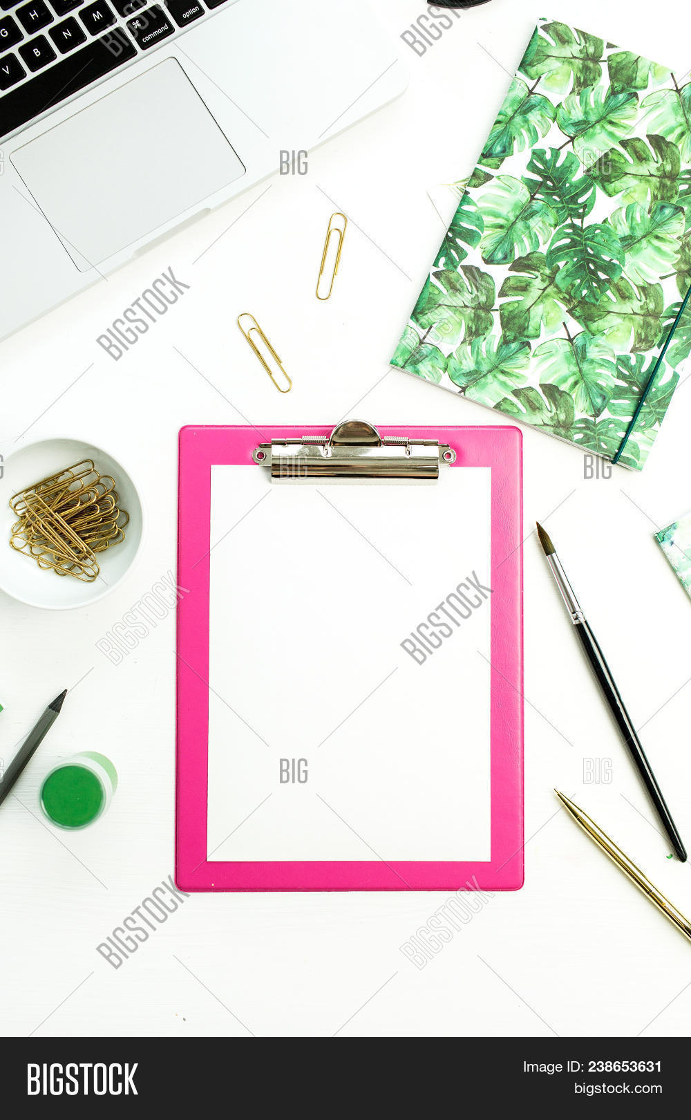 Clipboard Clean Paper Image & Photo (Free Trial) | Bigstock