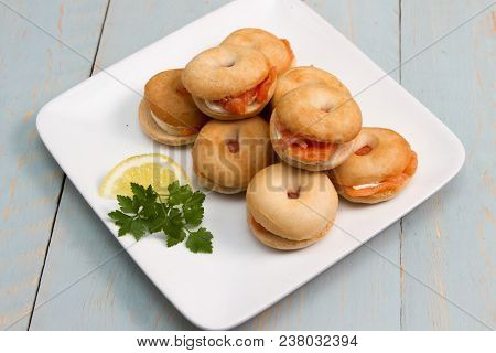 Salmon Bagels A Plate Of Smoked Salmon And Cream Cheese Bagels