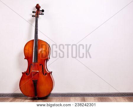 Close Up Retro Cello