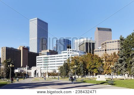 Denver, Usa - November 04, 2016: Denver Modern Skyline Seen From The Civic Center Park On A Sunny Da