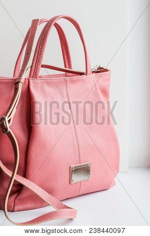 Pink Bag.pink Leather Ladies Handbag Isolated. Luxury Female Bag