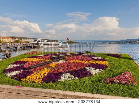 Zurich, Switzerland - 23 April, 2014: Floral Clock On The Embankment Of Lake Zurich. The Clock Is A