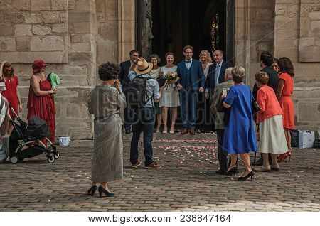 Paris, France - July 08, 2017. Scenes Of Bride, Groom And Wedding Guests At Montmartre In Paris. Kno