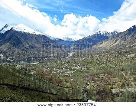 Karimabad Is The Capital Of Hunza Valley, In Gilgit-baltistan Province Of Pakistan. One Of The Best