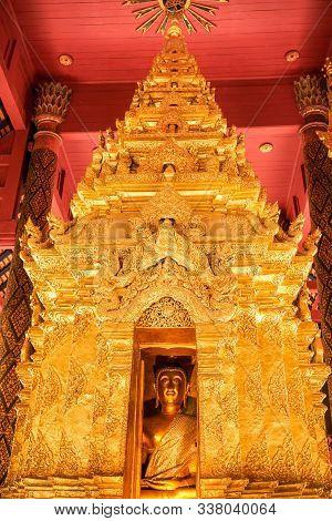 The Enshrining Of The Buddha Name Phra Chao Lan Ton In Wat Phra That Lampang Luang, Lampang Thailand