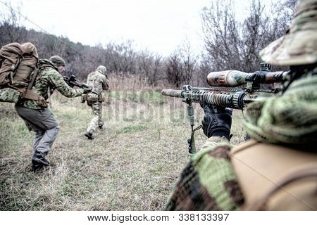 Commando Army Soldiers Fighters Squad Rushing In Woodland