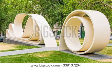 Melbourne, Australia - November 16, 2009: The Great Petition Statue Of Yellow Stone Looks Like A Rol