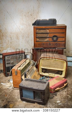 Old radios from the 19th century