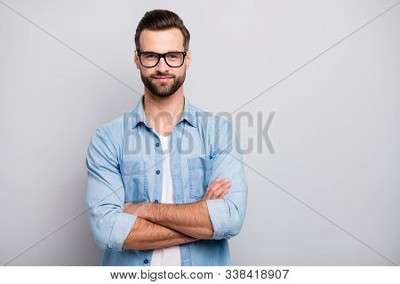 Photo Of Positive Business Guy Young Boss Chief Hands Crossed Self-confident Person Friendly Smiling