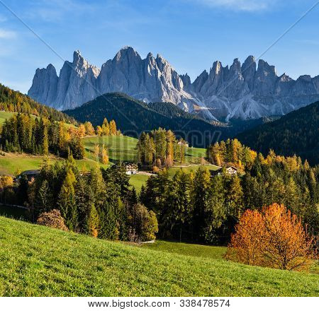 Autumn Evening Santa Magdalena Famous Italy Dolomites Village Surroundings View In Front Of The Geis