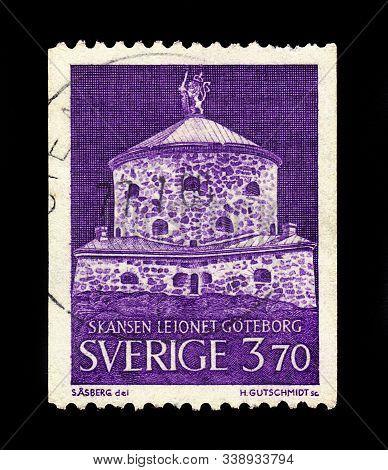 Sweden - Circa 1967: A Stamp Printed In Sweden Shows Skansen Kronan,  Redoubt In The District Of Hag