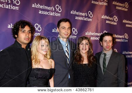 LOS ANGELES - MAR 20:  Jim Parsons, Mayim Bialik arrive at the 21st Annual A Night at Sardi's to Benefit the Alzheimer's Association at the Beverly Hilton Hotel on March 20, 2013 in Beverly Hills, CA