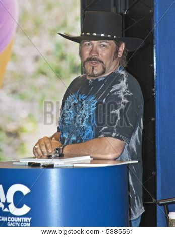 Buddy Jewell - Cma Music Festival 2009