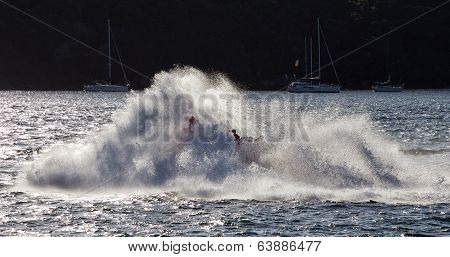 Jet boat riders get wet in Sydney