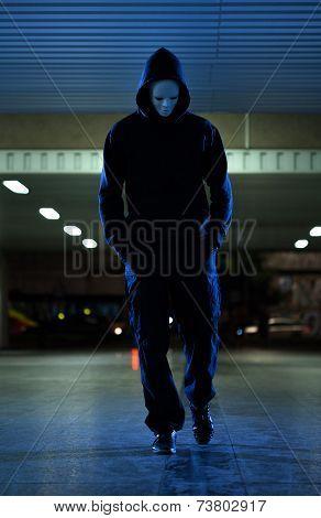 Mugger Wearing Mask At Night