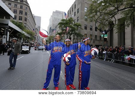 Harlem Globetrotters on Fifth Avenue