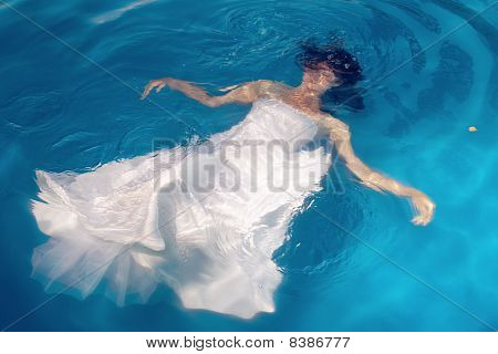 The bride in water