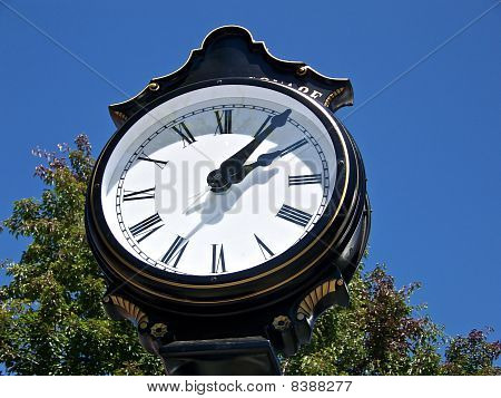 Big Black Clock
