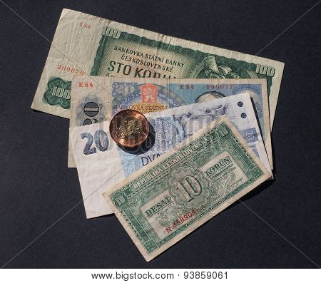 Czechoslovakian money withdrawn when Czechoslovakia split in 1993