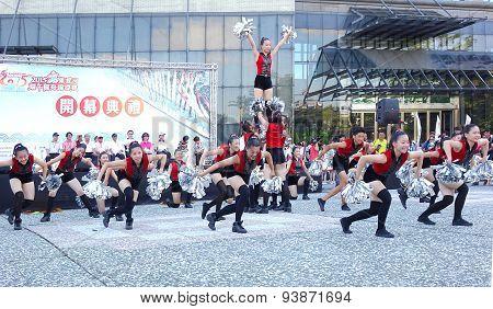 Student Dancers Peform For The Dragon Boat Festival