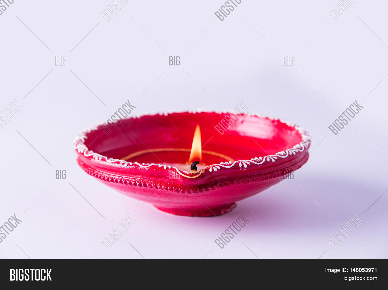 Clay Diya Lamp Lit During Diwali Image  for Clay Lamp Design  111ane