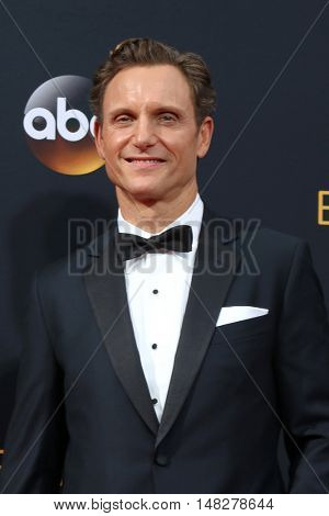 LOS ANGELES - SEP 18:  Tony Goldwyn at the 2016 Primetime Emmy Awards - Arrivals at the Microsoft Theater on September 18, 2016 in Los Angeles, CA