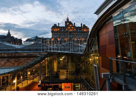 Waverly Station With Hotel Balmoral In Edinburgh