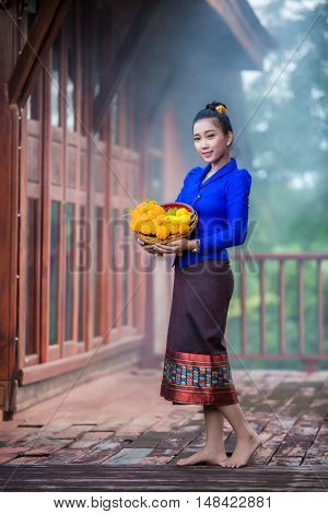 Women Laos congratulate Hello I welcome the promotion of tourism laos girl