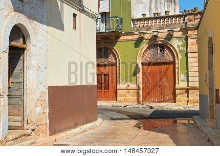 Alleyway. Sammichele di Bari. Puglia. Southern Italy.
