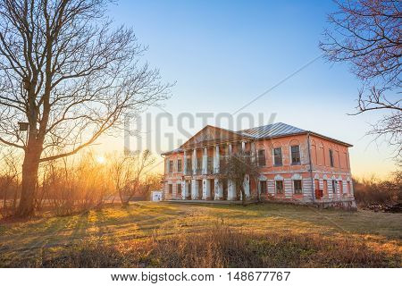Old Palace Manor Of Landowner Voynich-Senozhetskih Village Khal'ch In Vetka District, Belarus.