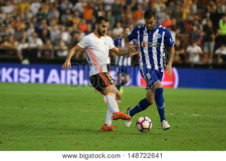 VALENCIA, SPAIN - SEPTEMBER 22nd: (8) Camarasa during Spanish soccer league match between Valencia CF and Deportivo Alaves at Mestalla Stadium on September 22, 2016 in Valencia, Spain