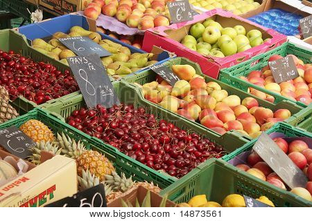 Fresh fruits for sale in farmers market