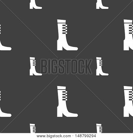 Female Fall And Winter Shoe, Boot Icon Sign. Seamless Pattern On A Gray Background. Vector