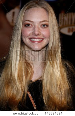 Amanda Seyfried at the World premiere of 'Charlie Wilson's War' held at the Universal Studios in Hollywood, USA on December 10, 2007.