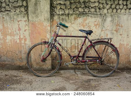 Bodhgaya, India - July 9, 2015. An Old Bicycle On Street In Bodhgaya, India. Bodhgaya Is The Most Re